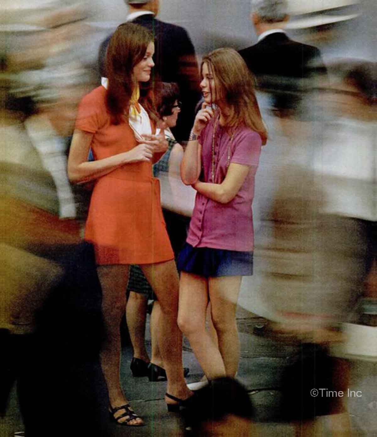 1960s-Fashion---The-New-York-Look-1969-b