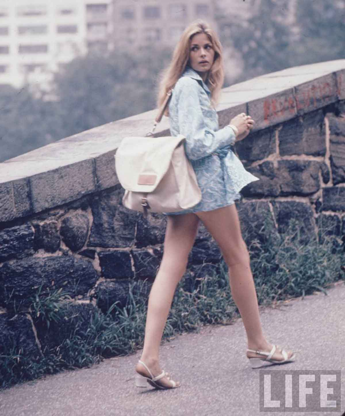 1960s-Fashion---The-New-York-Look-1969-c