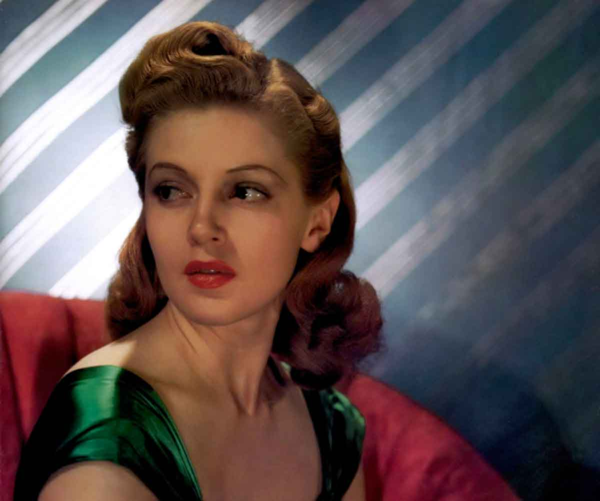 Lana Turner-Top Ten Most Beautiful 1940s Women