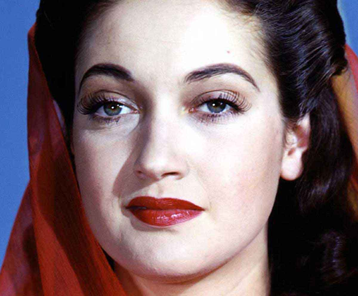 Dorothy-Lamour-Top Ten Most Beautiful 1940s Women