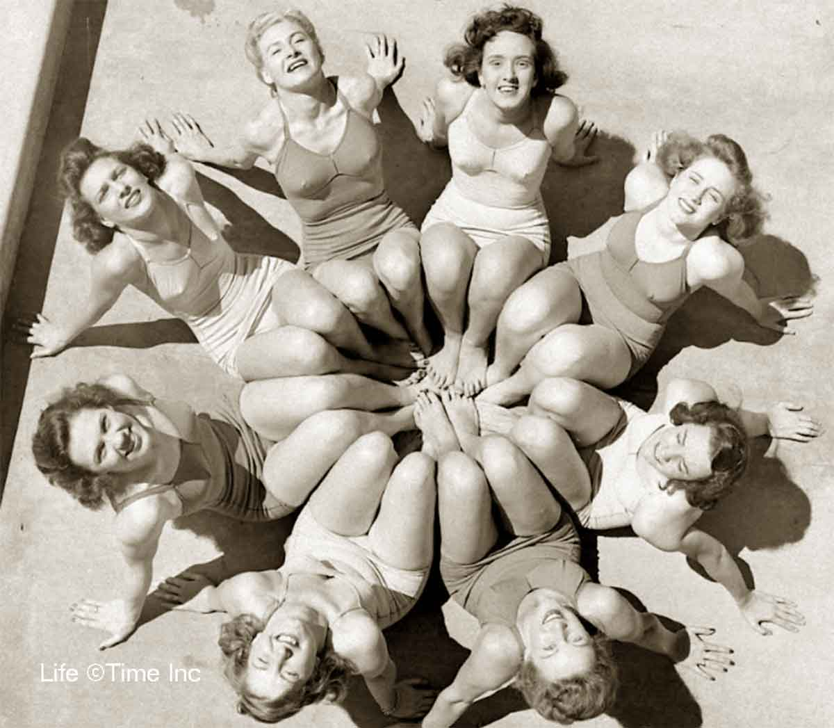 American-Swimmer---Swimsuits-of-1944-c
