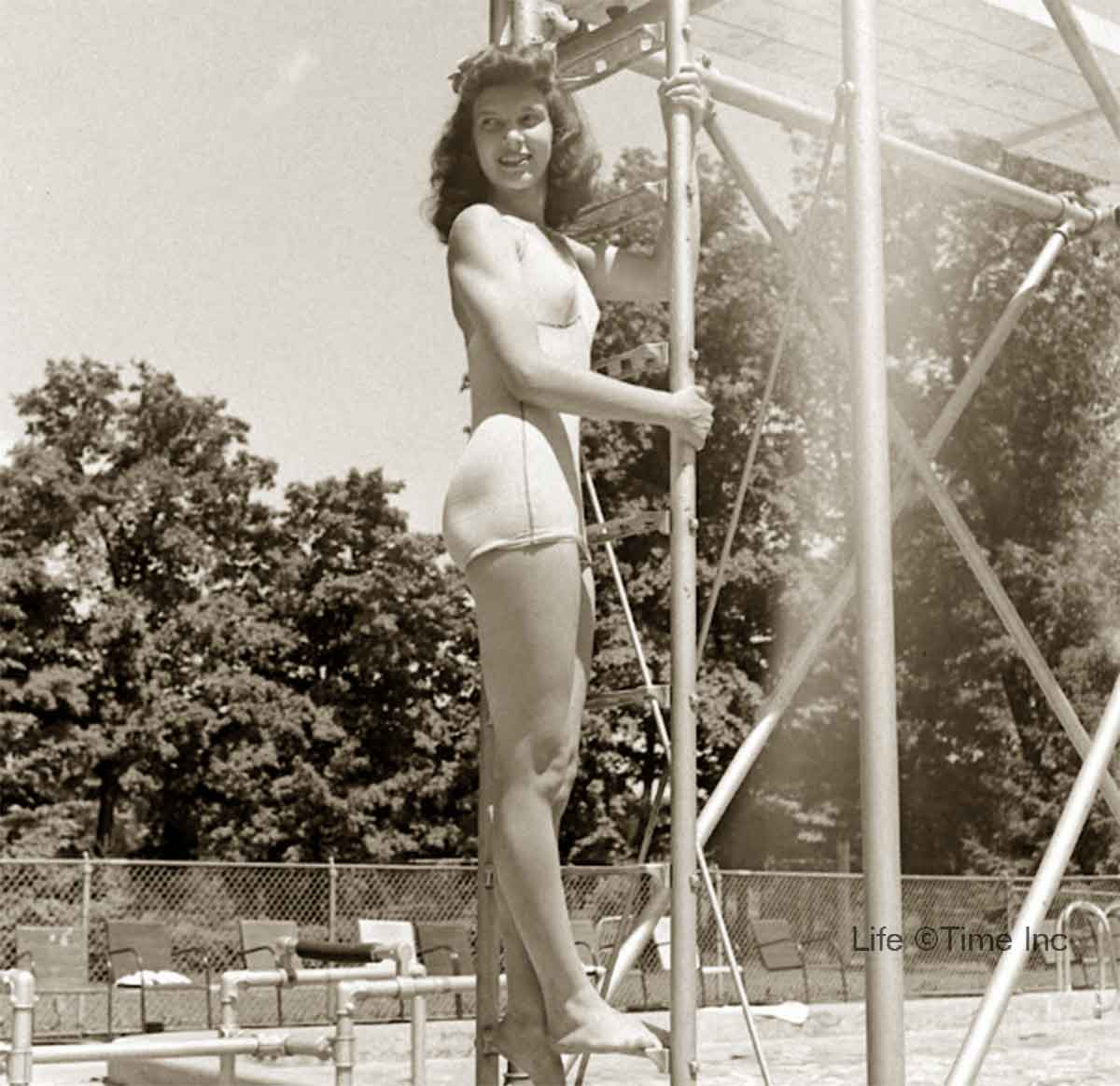 American-Swimmer---Swimsuits-of-1944-d