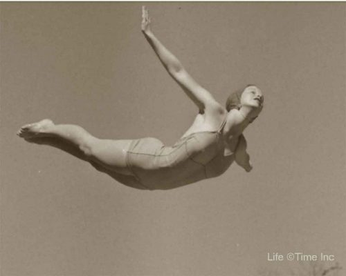 American-Swimmer---Swimsuits-of-1944h