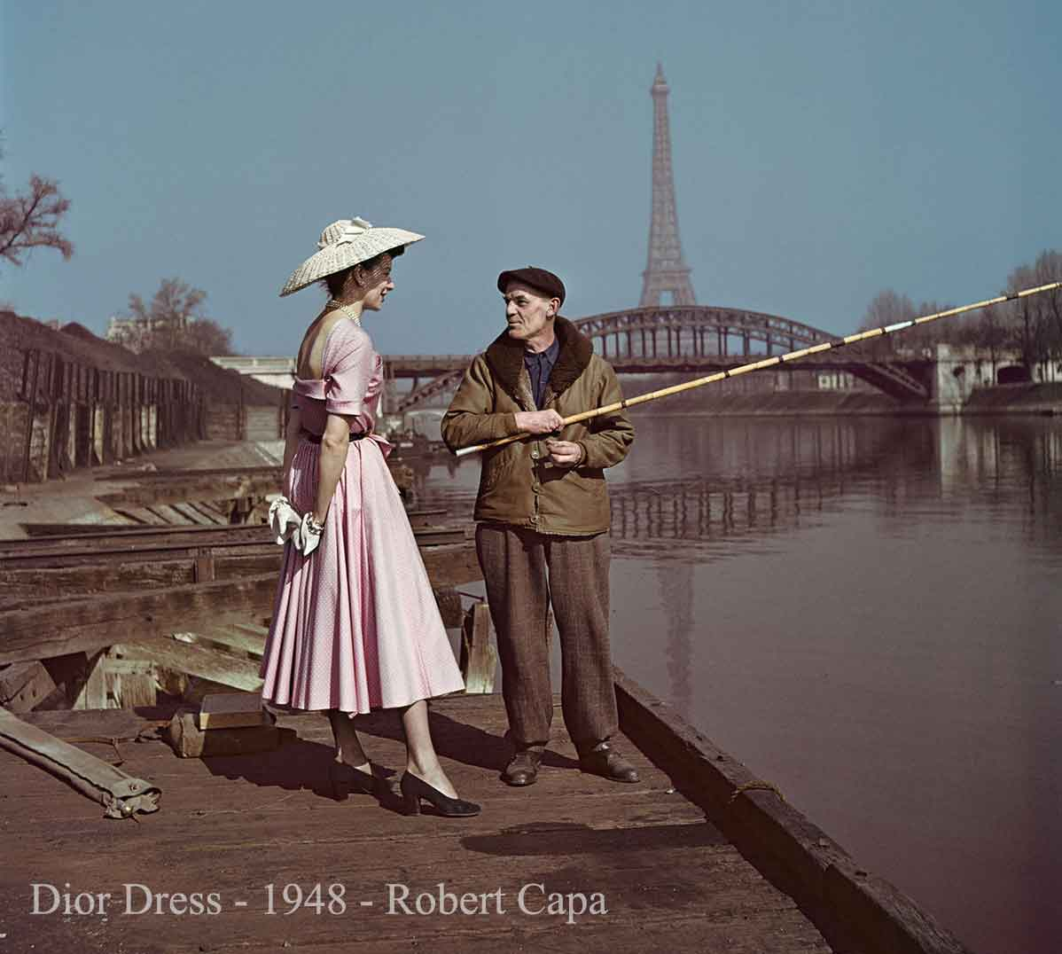 Model-wears--dior-dress--1948-robert-capa