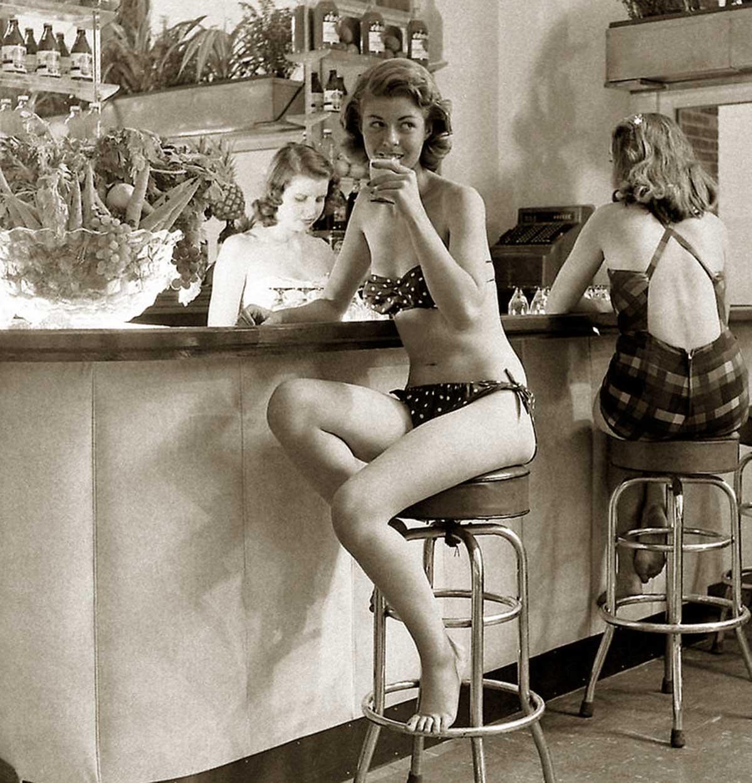 Woman-at-bar-in-French-Bikini---Atlantic-City-1948