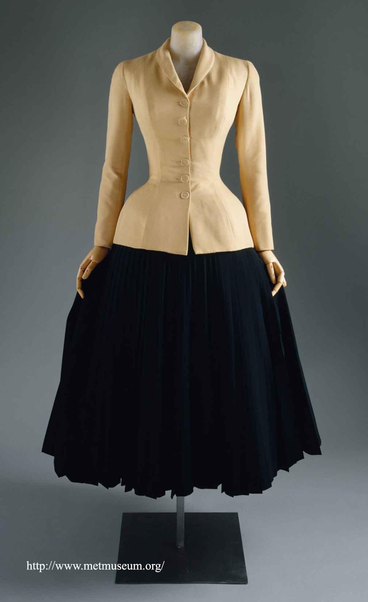 dior-model-renee-in--the-bar-suit-of-1947-b