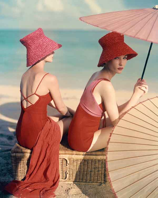 Red-Parasol--Louise-Dahl-Wolfe,-Vogue-Archive