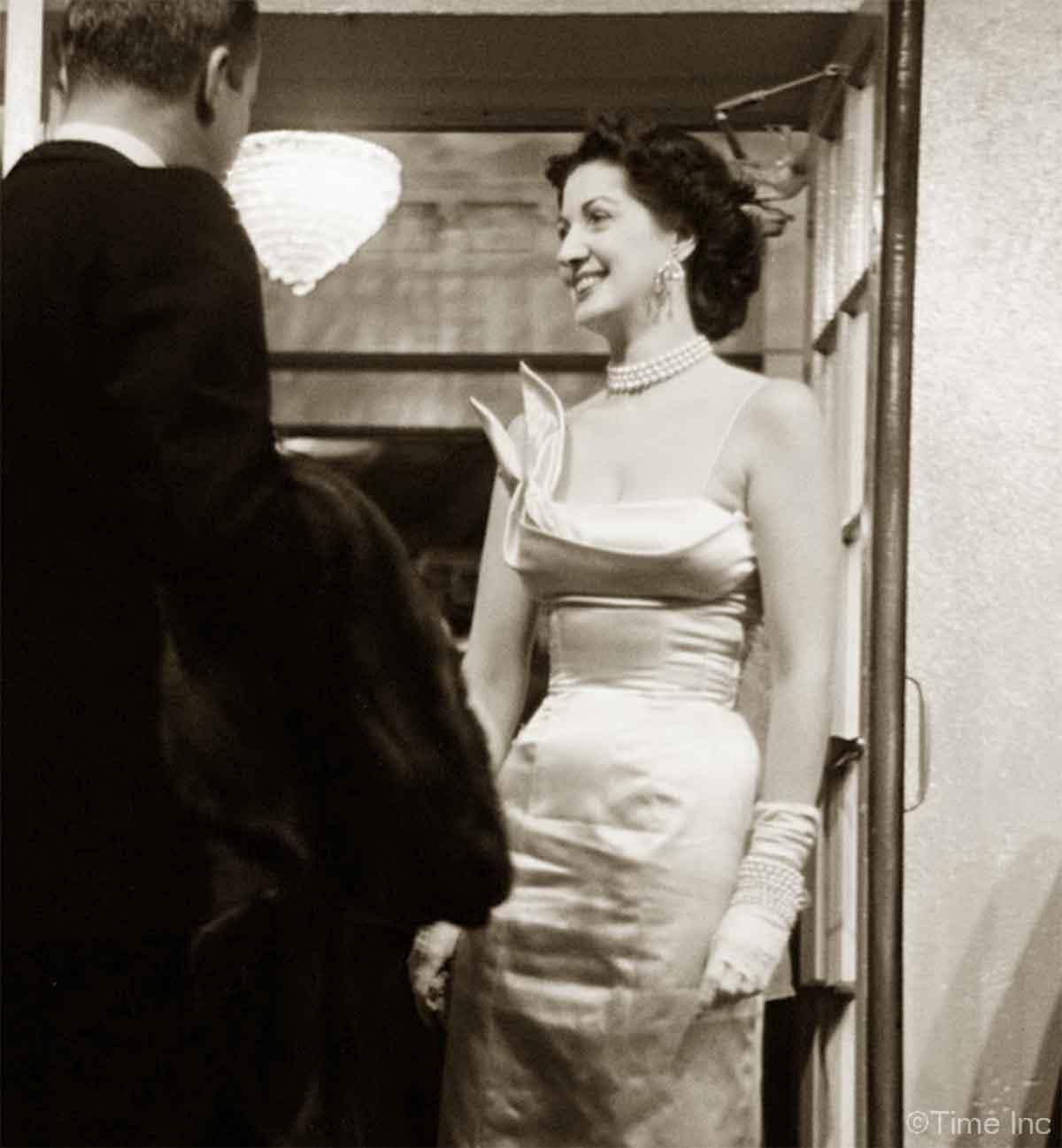 The-Sheath-Dress-worn-by-Maggi-McNellis-1949