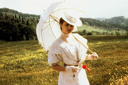helena-bonham-carter-with-parasol---a-room-with-a-view