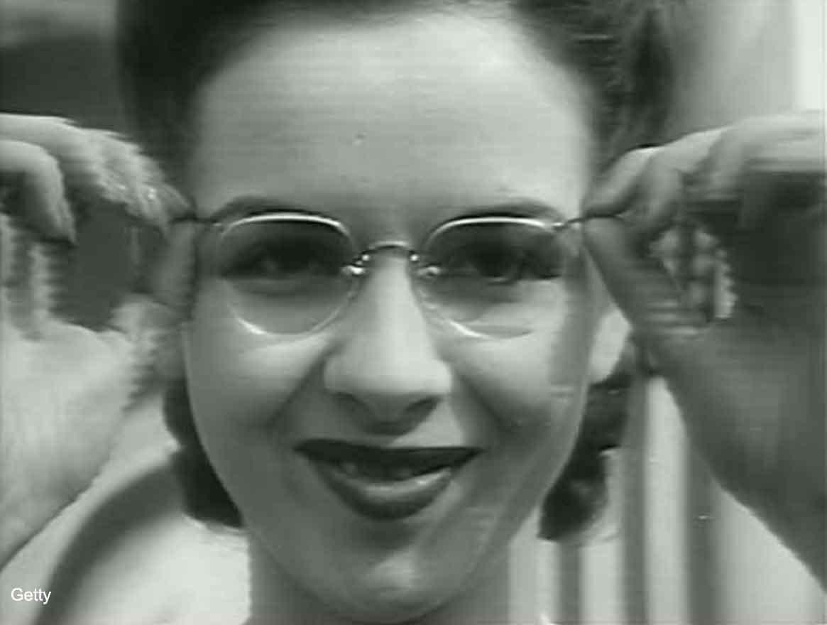 Girls Who Wear Glasses – 1940s Beauty Tips | Glamourdaze