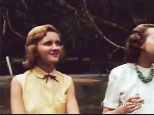 1954-College-Fashion---Cedar-Crest2