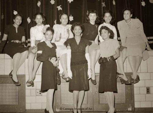 1940s Black Fashion -Alpha-Kappa-Alpha,-Iota-Chapter-Sorority-1945