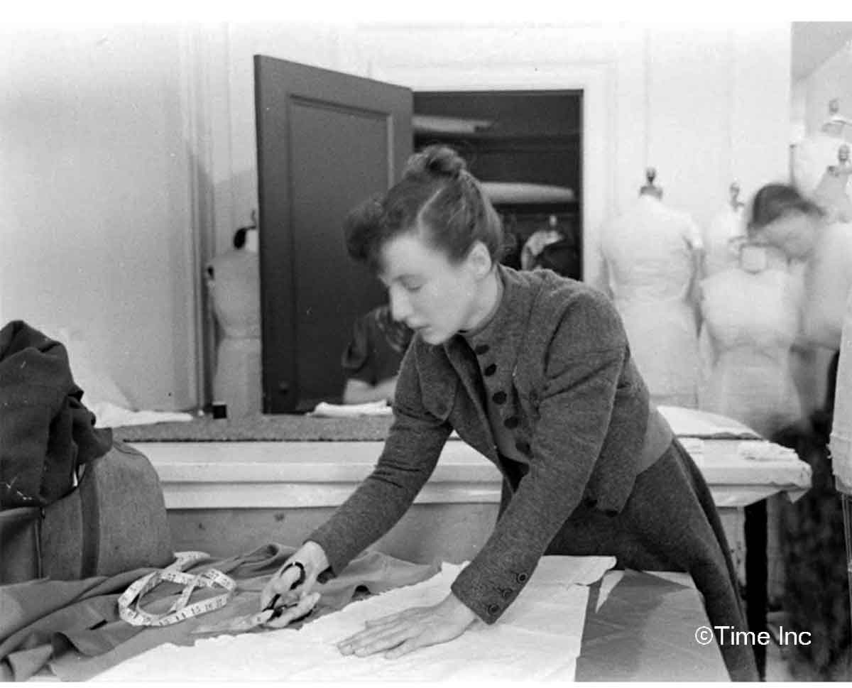 Elizabeth-Hawes-in-1937