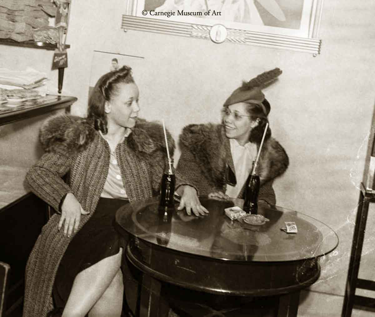 1940s black fashion - 1943