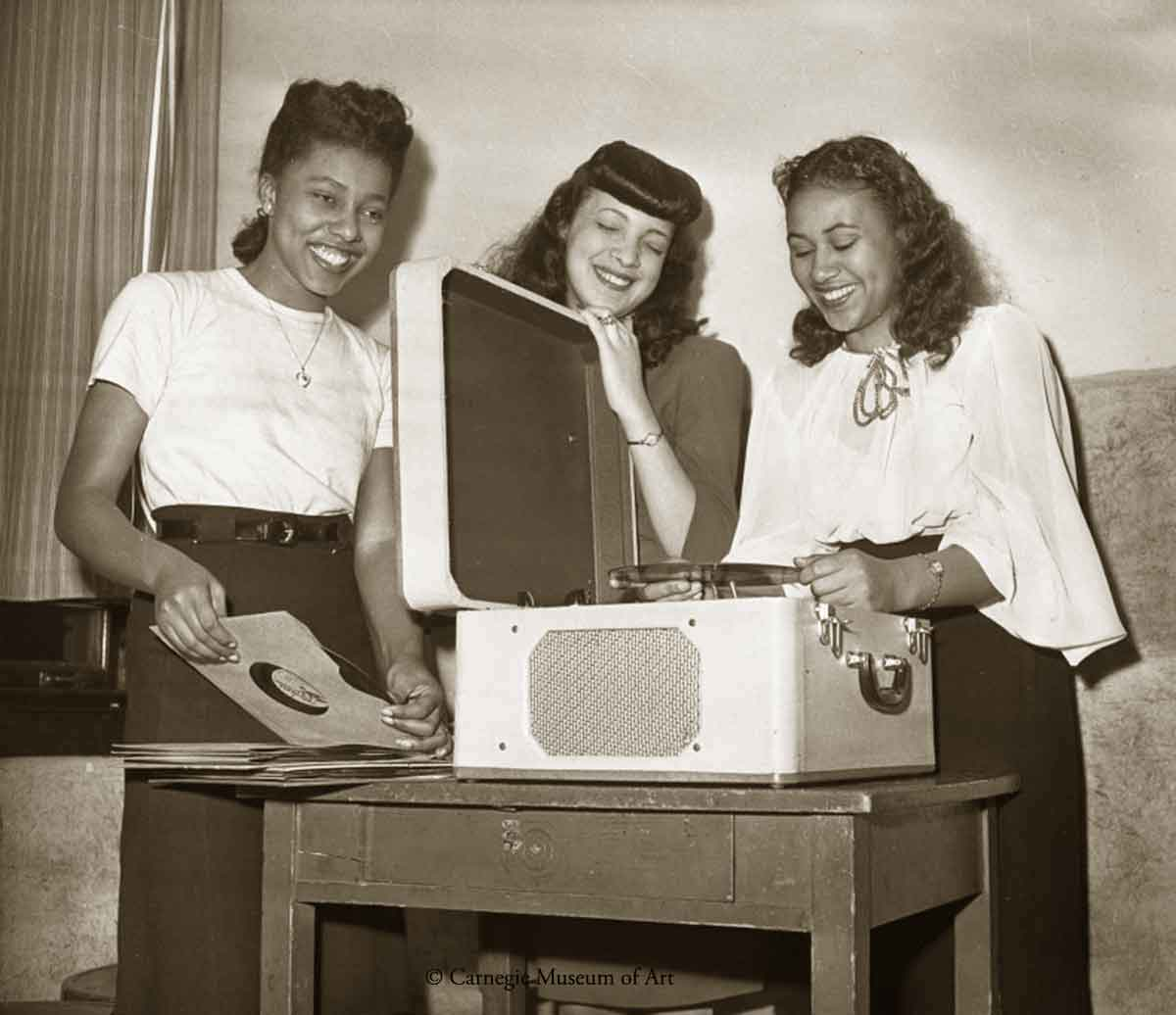 Jane Dickerson, Grace Hodson, and Susan Wynn-1947