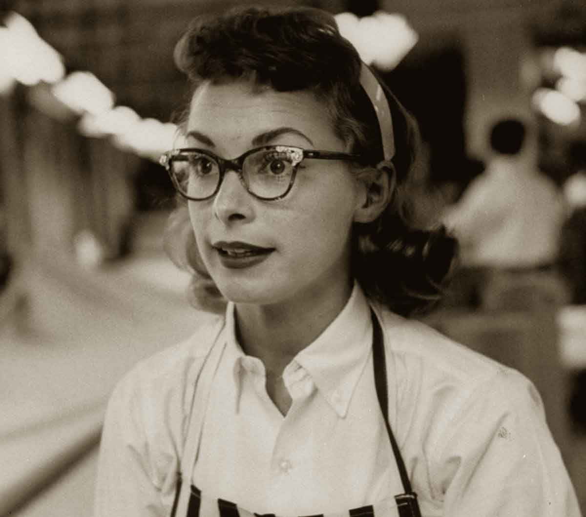 Janet-Leigh-1948 wearing glasses