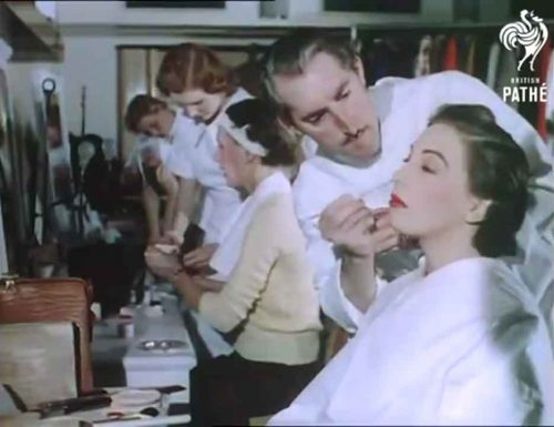 14-1950s-british-fashion-show-in-color-1951-behind-the-scenes-makeover
