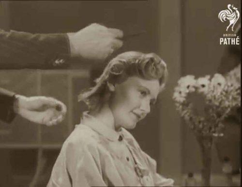 1940s-hairstyles-british-wartime-hairdos-2c