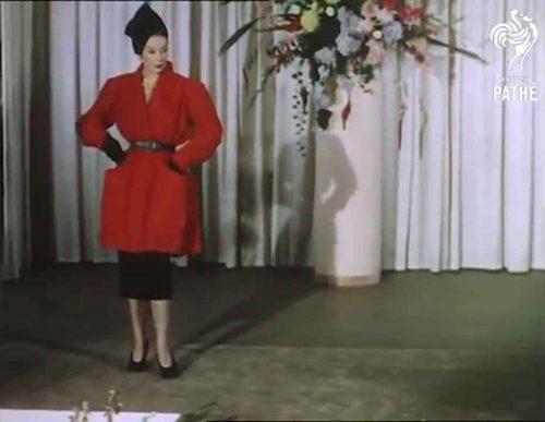 1950s-british-fashion-show-in-color-1951-dolores-joyce