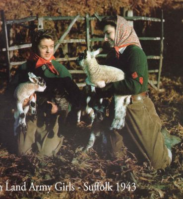 British-land-army-girls-1943