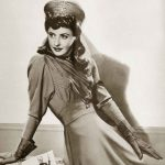1940s Winter Fashion – Barbara Stanwyck
