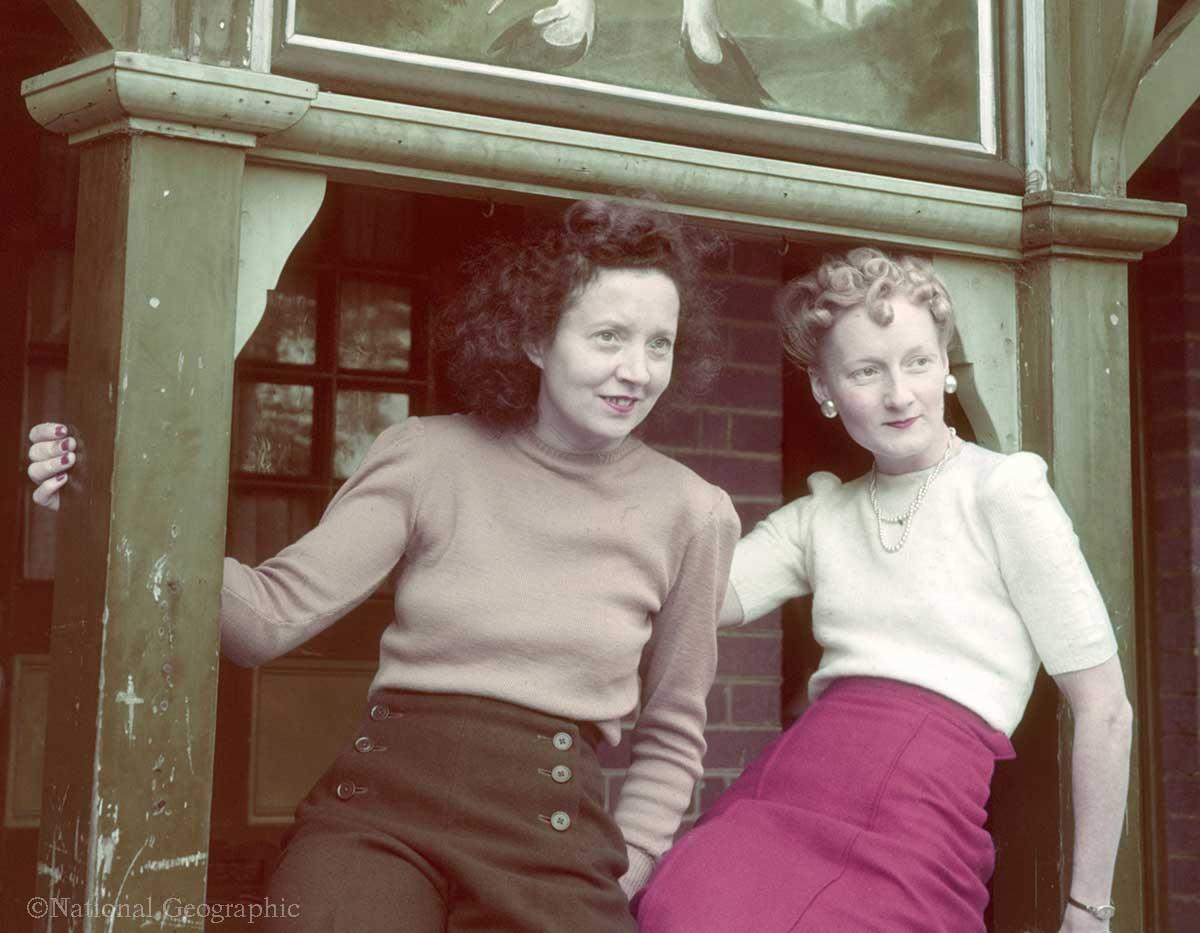 -HColor Photos of War Era Women in the 1940s - Hamphire-England--B.-ANTHONY-STEWART