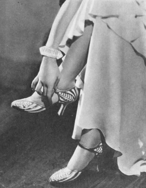 Norma-Shearer-Spring-wardrobe-1930---shoes