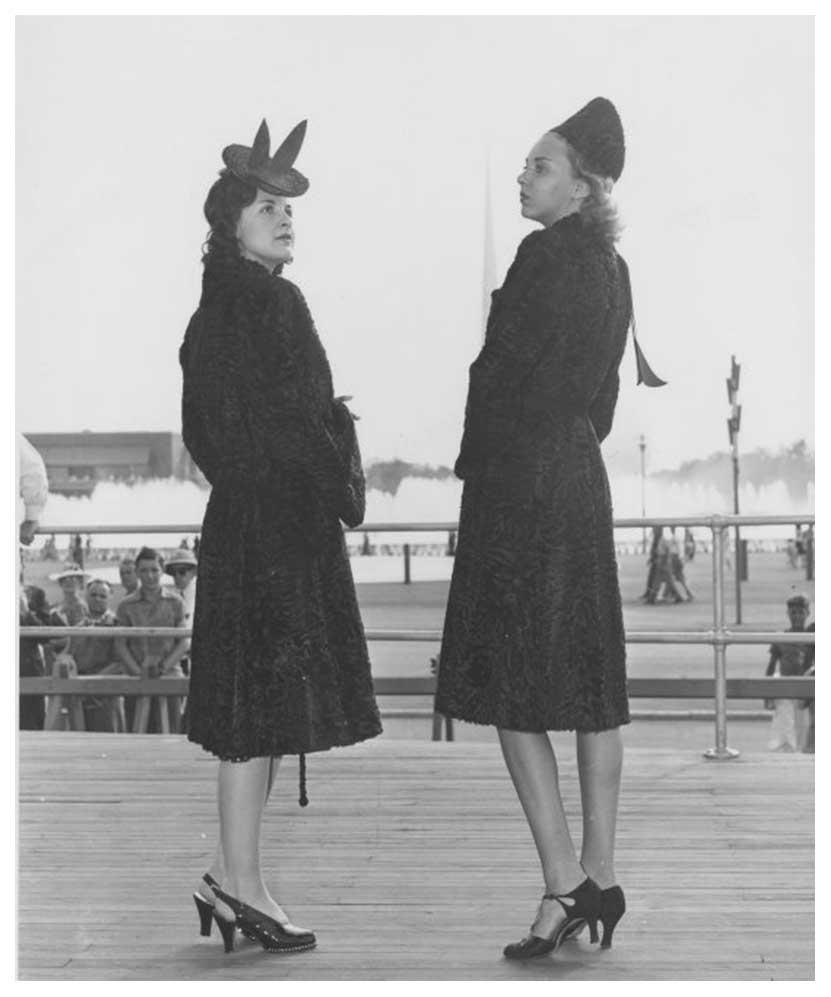1940s-Fashion-Forecast---Coats---New-York-Worlds-Fair-1939a