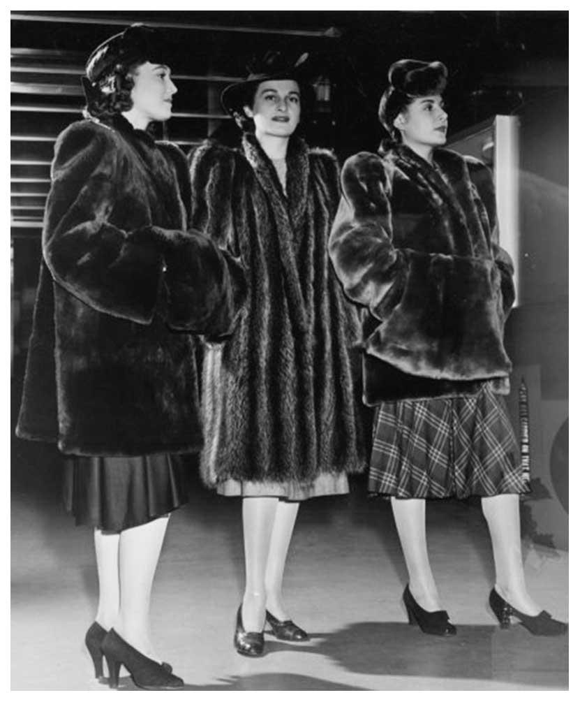 1940s-Fashion-Forecast---Coats---New-York-Worlds-Fair-1939d