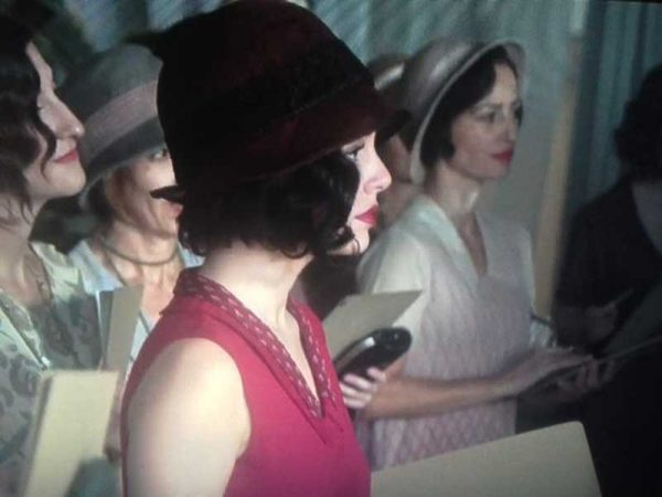 Cable-Girls---1920s-Era-Women-with-a-modern-twist