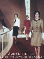 Airport-Chic---1962-Fashion-for-the-Three-Body-Types-1