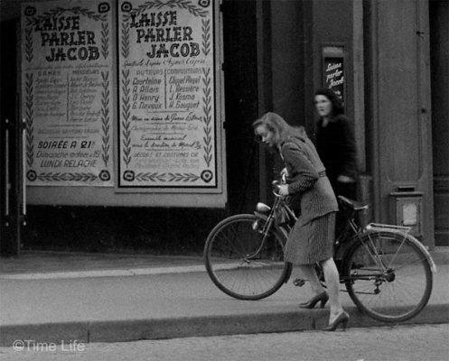 A-Post-War-Paris-Girl-1946--Barbara-Laage.-Photo-by-Nina-Leen.-©Time-Life