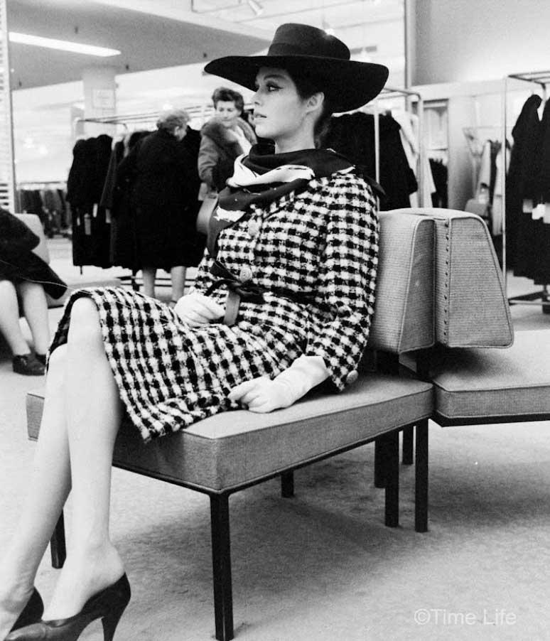 Paris-Fashion-copies-in-New-York-1962