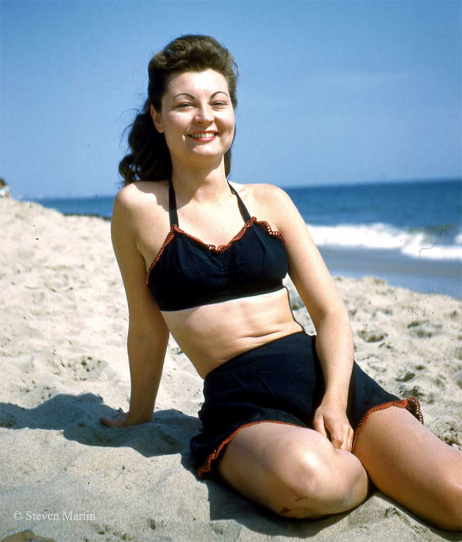 1940s Fashion in magical Kodachrome color