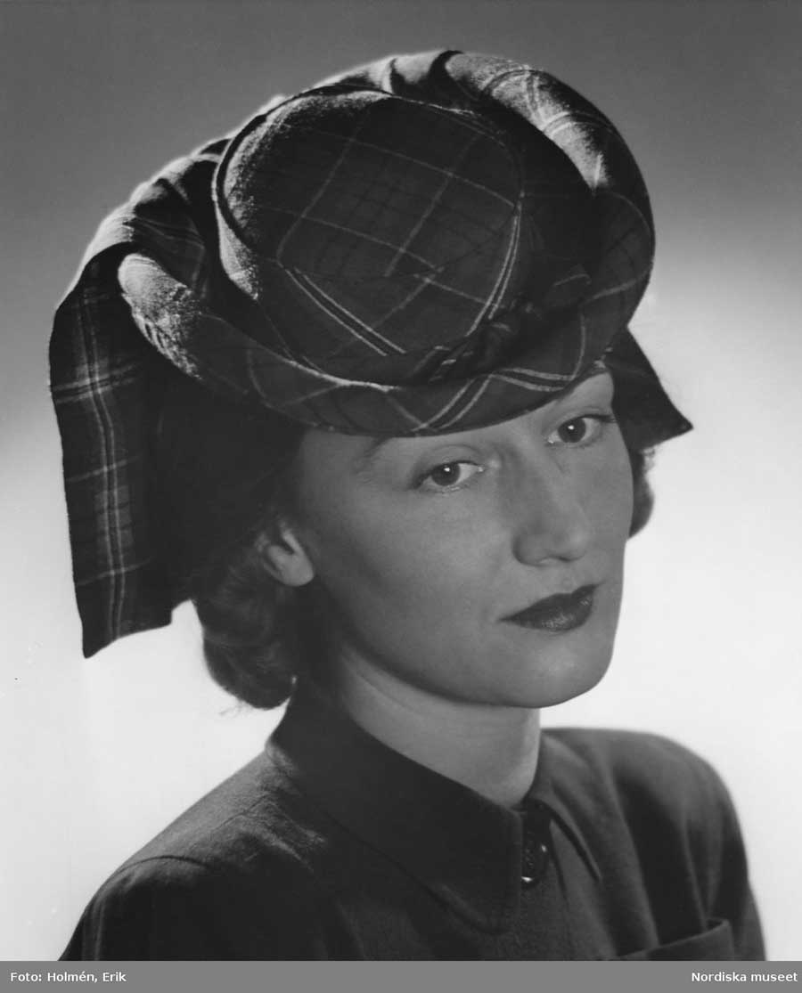 Portrait-of-woman-in-checkered-hat-with-dock-1941