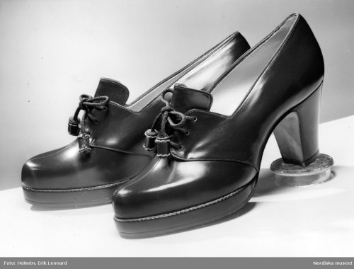 Stretch shoes in box calf with extra thick sole 1941