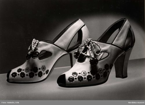 high heel pumps from 1940