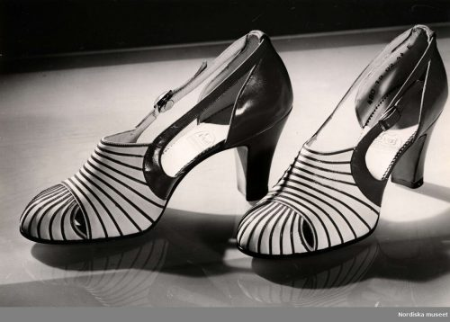 walking shoes 1940