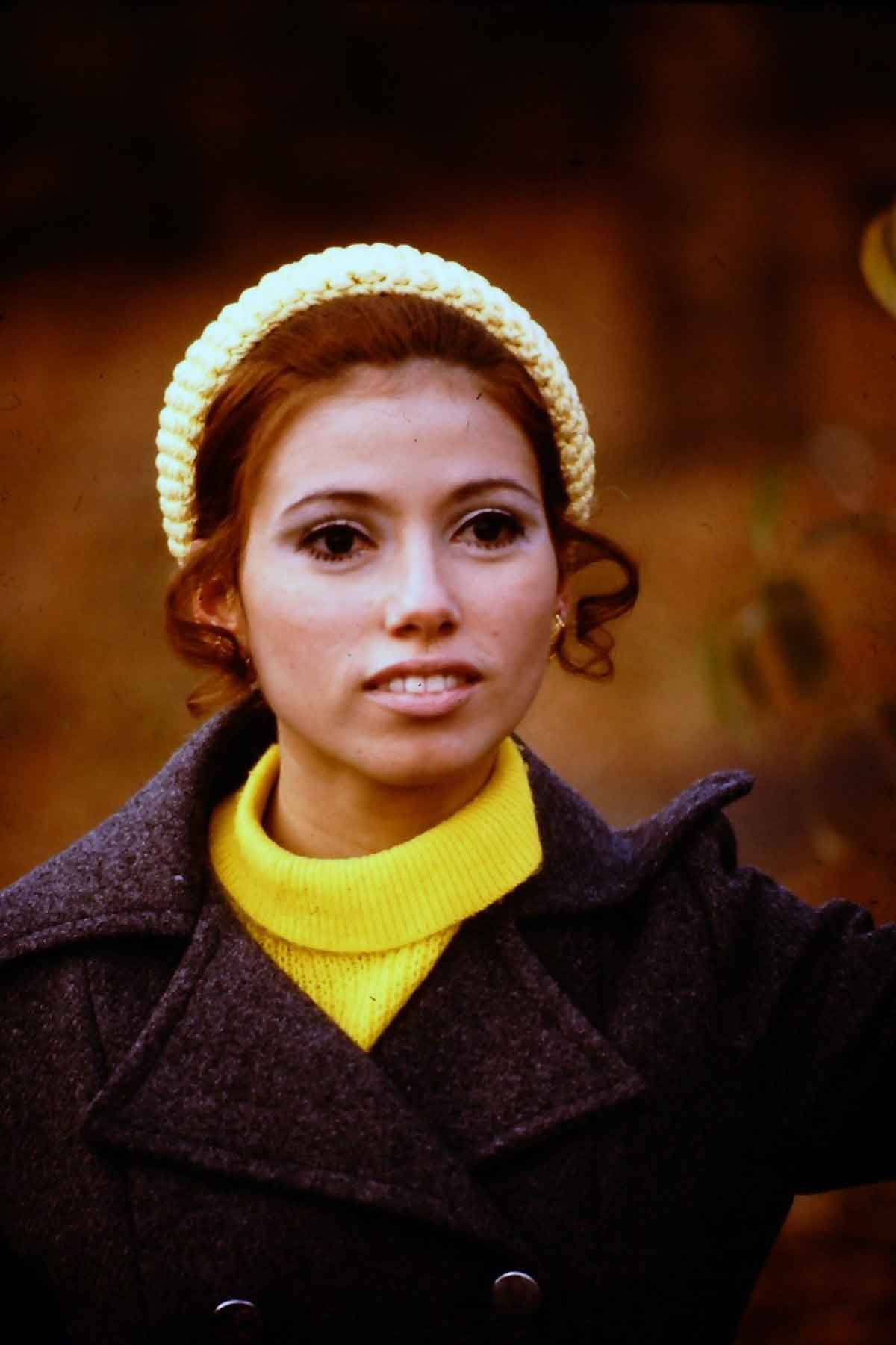 straight-out-of-the-60s - found photos of women in the 1960s