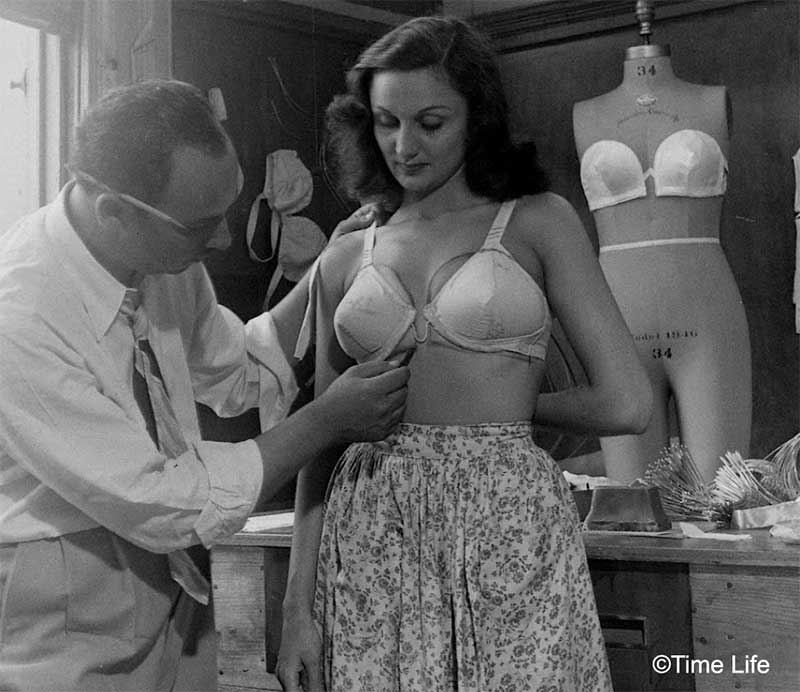 1940s-Fashion---The-Wired-strapless-bra