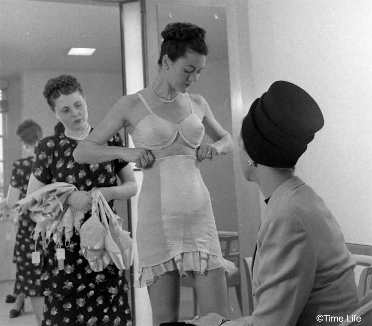 Neiman-Marcus---The-1940s-US-Fashion-Store10