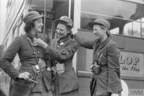 London-bus-conductors-Lilian-Menhenett,-Louise-Taylor-and-Marie-Ellis