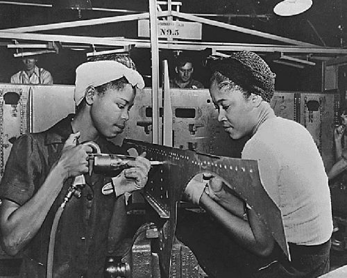 Luedell-Mitchell-and-Lavada-Cherry-at-work-in-the-El-Segundo-Plant-of-the-Douglas-Aircraft