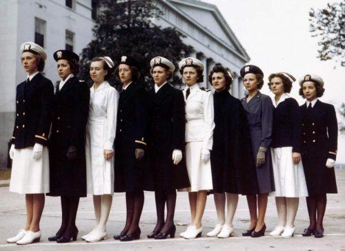 WW2 Nurse Uniform - Navy-Nurses---Display-the-variety-of-nurse-corps-uniforms