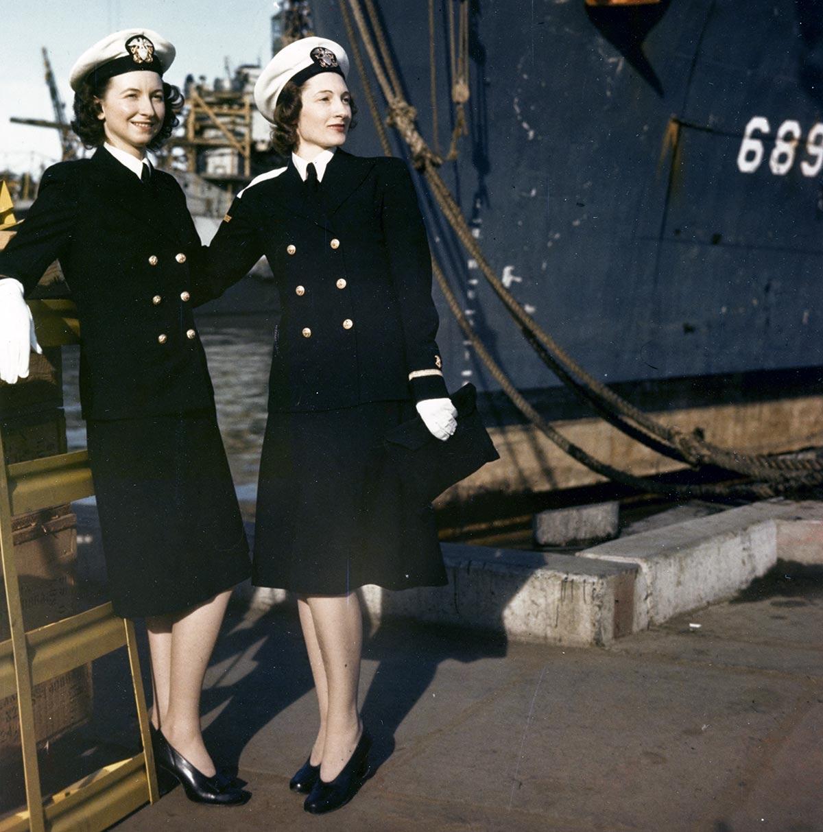 WW2 Nurse Uniform - Navy Nurses Ensign Dorothy Swallen Ensign Dora Eggleston