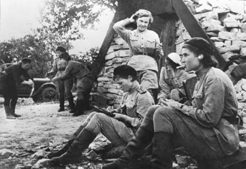 Women in World War 11 - The night-witches--588th-Night-Bomber-Regiment