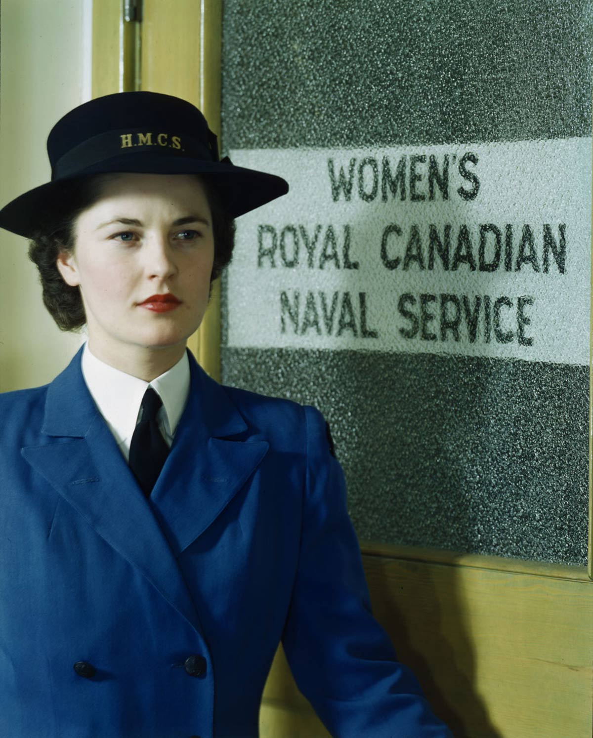1940s-WW2-Women-of-Canada-WRCNS-summer-uniform-1943