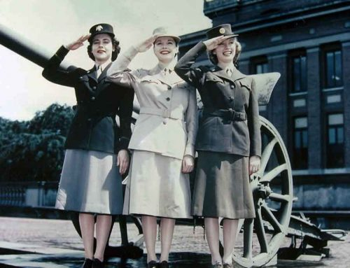 the early womens army auxiliary corps uniforms in 1942