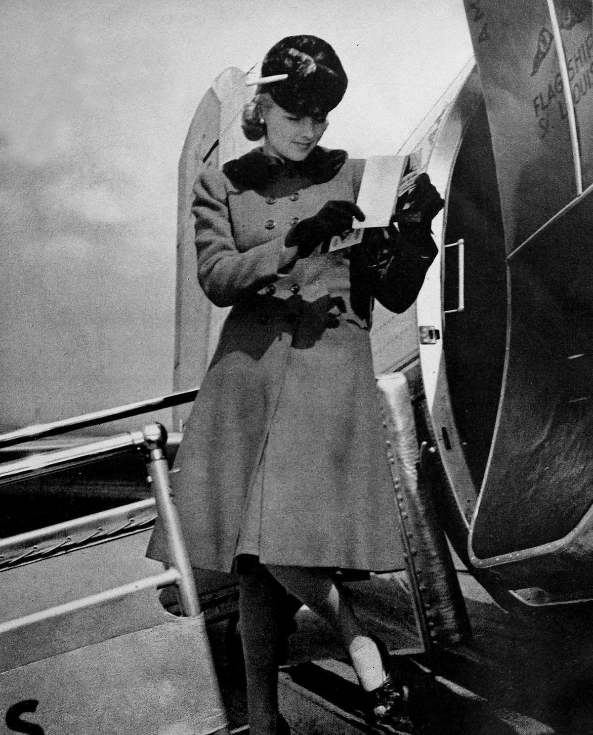 Winter-Dresses-and-Coats-in-1940