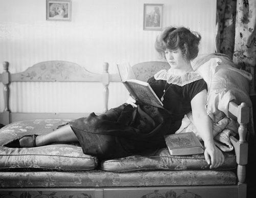flapper-dress----Francine-Larrimore-1925----George-Grantham-Bain-Collection